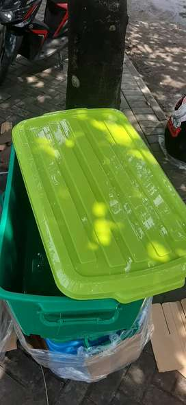 Box Plastik Container PREMIUM JUMBO + Roda ukuran 90 Liter - Warna