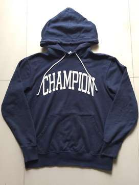 Champion Hoodie size s-m bukan zara pull and bear