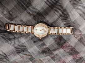 Goldenwhite watch