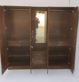 5 door wardrobe in factory price Bed's