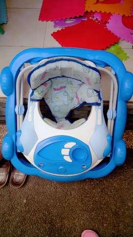 Buc dijual cpt 2 unit baby walker warna pink&biru