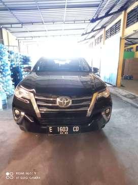 Jual Toyota Fortuner 2,4 G A/T Lux Diesel 2017