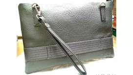 Clutch (Multigender Handbag)
