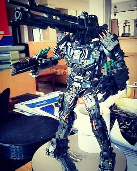 Action figure transformers Lockdown + add on parts