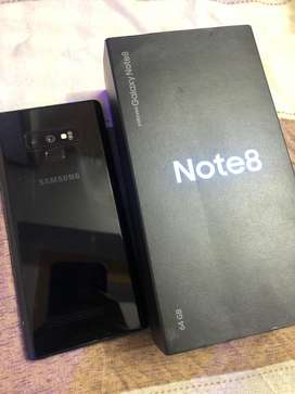 Samsung note 8 black  with box and all acc good condition