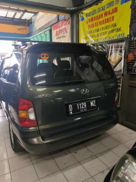 Hyundai Trajet 2.7 V6 2000