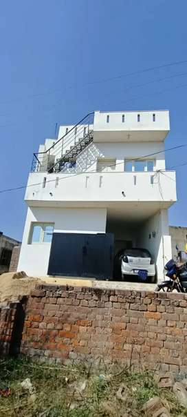 My house sell 2marla 2bedrooms 1car parking 3washroom