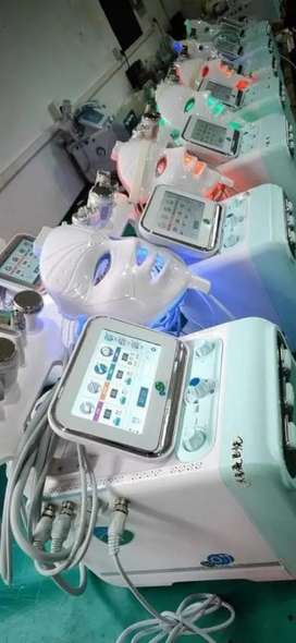 Hydra Facial Machine Available 8 in 1 Unit Gullberg
