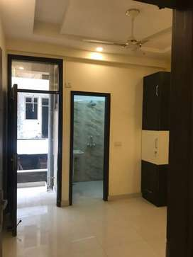 1,2BHK FLAT FOR RENT(NO RESTRICTIONS)