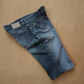 Celana Pendek DKNY