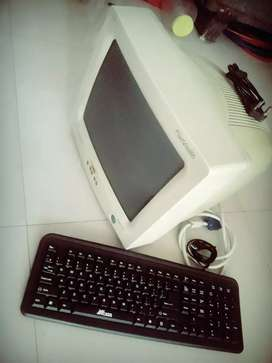 Box monitor with keyboard