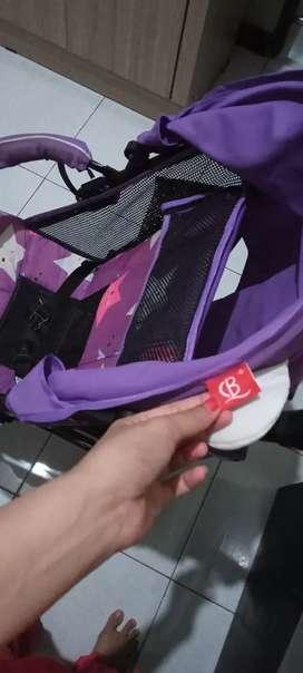 Stroller baby g warna ungu