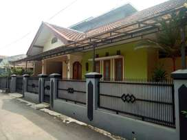 Dikontrakan rumah plus furniture  Cijaura Indah