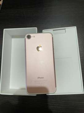 Iphone 7 32gb with accessories