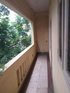 2 bedroom flat in grouphouse for rental