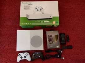 XBOX ONE S ALL DIGITAL 1 TB WITH 2 CONTROLLERS, ONLY 2 WEEKS USED