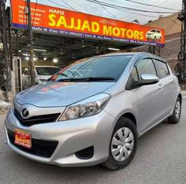 Toyota Vitz F 1.0 Model 2014 Lahore Register 2017