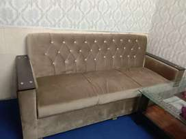 Sofa set 5 seater (mint condition) just like new.