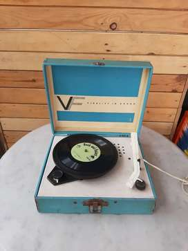 Mini compact turntable Vanity Fair  model 100 made in New York USA
