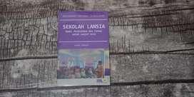 Buku Sekolah Lansia