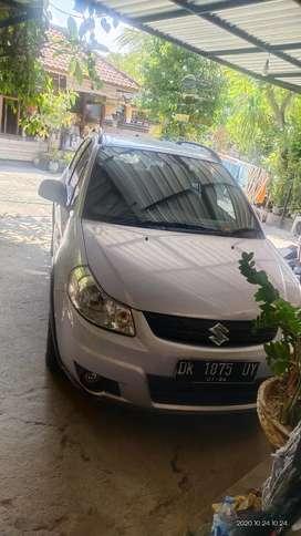 Suzuki SX4 tahun 2010