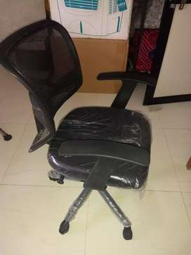 Metal Base Office Chair (Black, 46.5x46.5x94 cm)