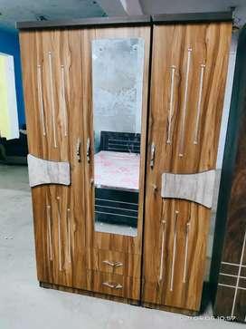 Brand New 3 Door Wardrobd New Latest