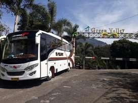 Medium Bus Isuzu NQR Adi Putro 2015