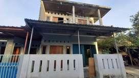 Rumah Induk + Kost Dua Lantai DALAM RINGROAD
