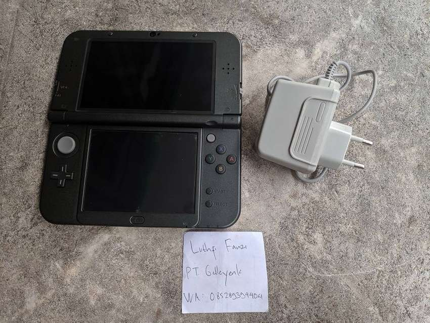 New Nintendo 3DS XL Black 0
