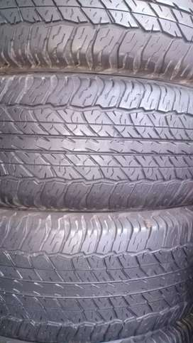 Tyres 265/65/R/17 Dunlop Japan 8/10 Condition