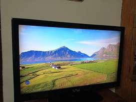 """VU 46"""" LCD TV"""
