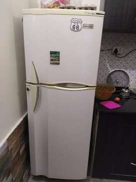 Electrolux Double Door refrigerator 3D flow feature