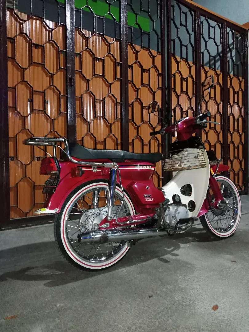 Honda C700 SuperCap Motor Jadul