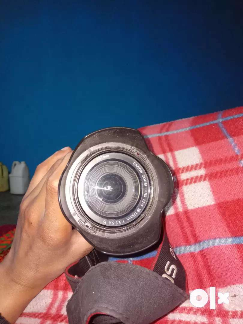 camera canon  67mm canon zoom lens 18-135mm  model eos550d dslr camera 0
