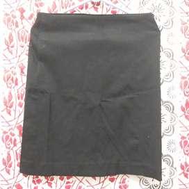 Rok hitam caper karet