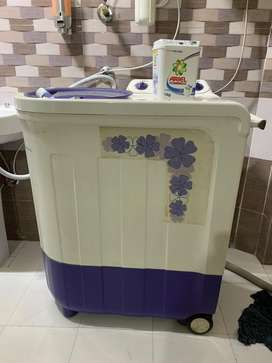 Whirlpool washine in absolutely good condition
