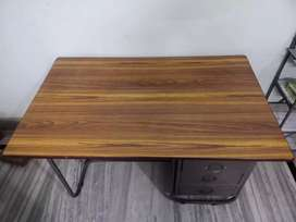 Study/ office table