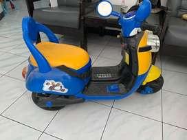 Sepeda/mobil aki anak