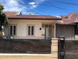 Di sewa kan rumah di Nusa loka BSD