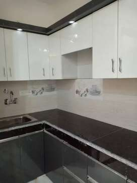 3 BHK BUILDER FLOOR WITH CAR PARKING