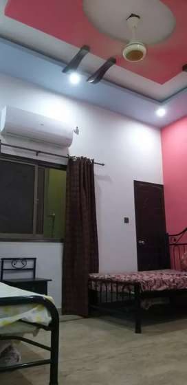 Room for rent furnished available for female by legal estate