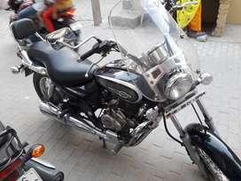 Bajaj Avenger 220 cruse 17000 Kms 2016 year