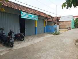 Rumah Beserta Ruang Usaha di dalam Kampung Hook dekat Pasar Pleret