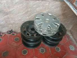 Ford fiesta classic company  4wheel and wheel cup