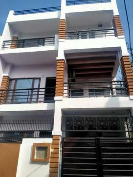 Independent 2 BHK House for RENT in Gomti Nagar near Vibhuti khand.