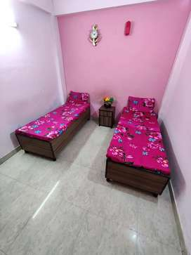 Girls pg available in Noida sector 19, 15, 16. AC rooms. Near metro.