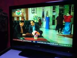 """Di jual tv LCD TOSHIBA 32 """" kondisi NORMAL"""