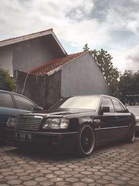 Mercedes benz e220 w124 mercy