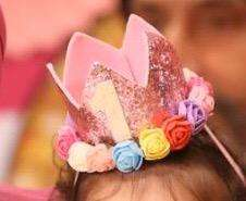Birthday crown for one year old baby girl in pink colour